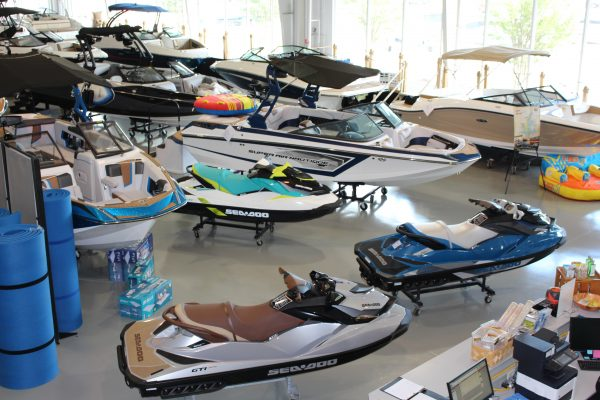 View and explore brand new boats for 2018!